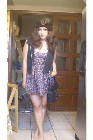 DIY dress - black Dockers vest - black unknown bag