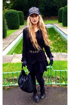 black Primark boots - black Primark hat - black H&M blazer