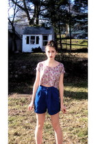amethyst floral print Forever 21 shirt - blue Thrift Store shorts