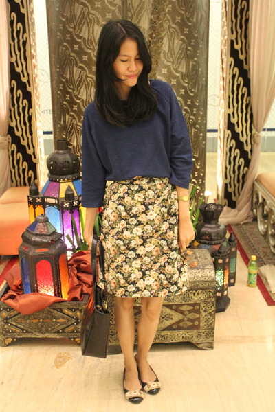 flowers unbranded skirt - Charles & Keith flats