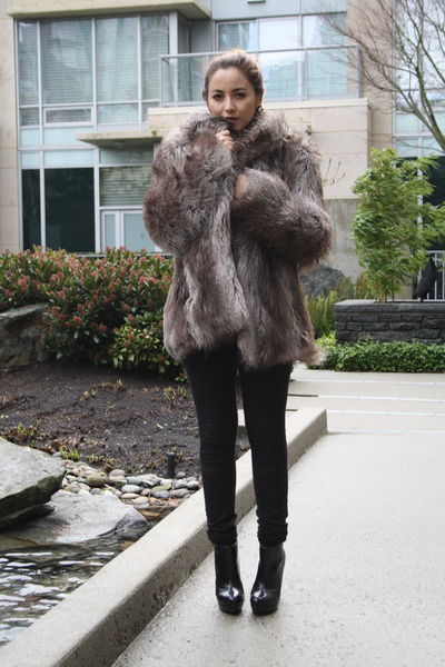 Brown Faux Fur Coat - How to Wear and Where to Buy | Chictopia