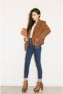 Tawny-jacket