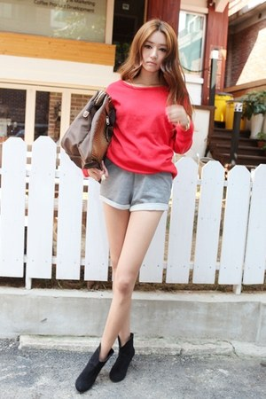 red Stylenanda blouse - black boots - bronze bag - silver shorts