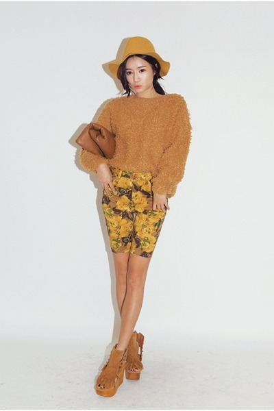gold sweater - mustard shoes