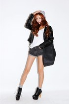 black leather Stylenanda jacket - gray Stylenanda shorts