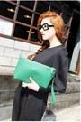 Black-jumper-aquamarine-purse