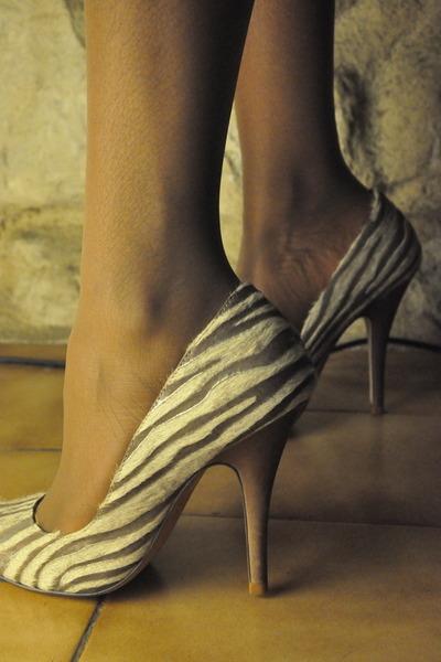 Rue 21 Denim Hi Top Casual Kicks Tennis Shoes Fashion Sneakers