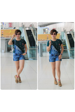 denim Bangkok Thailand jumper - Hush Puppies shoes - Bangkok Thailand t-shirt