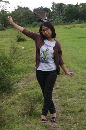 brown cardigan - white band merchandise t-shirt