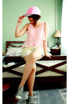 light pink GH top - light blue vintage shorts - heather gray Converse sneakers