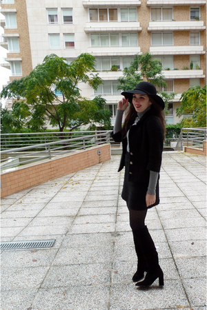 black wool vintage suit - black suede Zara boots - black floppy Ebay hat