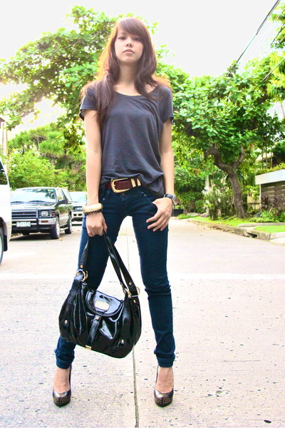 gray H&M t-shirt - red belt - Zara - black Dolce Vita shoes - black Michael Kors
