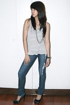 gray Just G top - - black Aldo - silver accessories