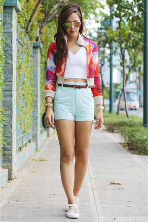 hot pink chiffon bomber Culte Femme jacket - light blue Stradivarius shorts