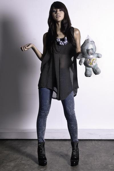 blue zoo leggings - black Gold Dot shoes - black Sundae - white Risa Recio