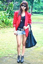 black leather belt - red vintage blazer - denim Urban Outfitters shorts