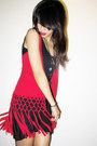 Red-macrame-boheme-vest-black-tank-h-m-top-black-forever-21-skirt-asian-vo