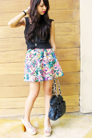 black pull&bear bag - silver DAS heels - bubble gum floral printed Forever 21 sk