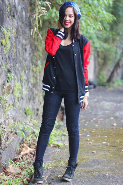 black letterman Penshoppe jacket