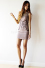 Light-pink-with-chains-human-dress-black-call-it-spring-pumps