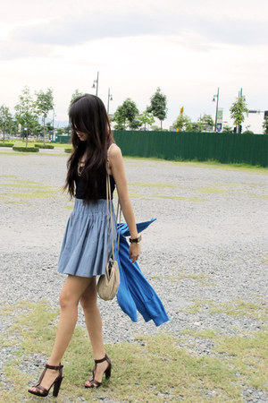 brown Zara heels - gold H&M bag - light blue H&M skirt - black tank H&M top