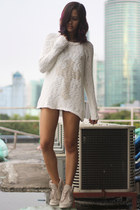 off white oversized Topshop sweater - black worn under Zara shorts