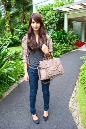 gray Topshop bag - dark skinnies Zara - gold chain roberta di camerino belt