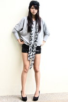 heather gray Forever 21 sweater - black Forever 21 shorts - white Forever 21 sca