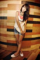 vintage denim Prinsara shorts - pink tank top NTICE - white NTICE