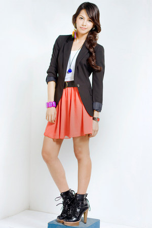 black ANDRE CHANG boots - black Zara blazer