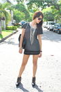 Gray-h-m-t-shirt-black-wisdom-skirt-black-soule-phenomenon-black-pull-bear