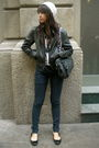 Beige-cotton-on-black-t-shirt-black-jacket-zara-black-steve-madden-bla