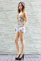 floral printed H&M top - Billabong shorts - Topshop pumps