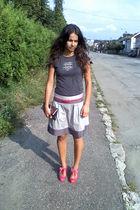 pink shoes - gray skirt - pink belt - gray shirt - silver purse
