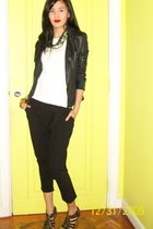 white shirt - black vintage jacket - black Zara pants - black shoes