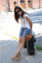 navy jeans American Eagle shorts - off white Forever 21 t-shirt