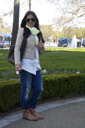 navy J Brand jeans - beige BCBG Maxazria jacket - white Stockh lm blouse