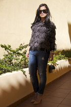 navy GINA TRICOT jeans - Bik Bok sweater - neutral Christian Louboutin pumps