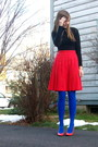 Black-sweater-red-skirt-blue-tights-orange-shoes