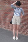 Black-f21-hat-blue-h-m-top-beige-moms-old-shorts-white-moms-old-shoes-si