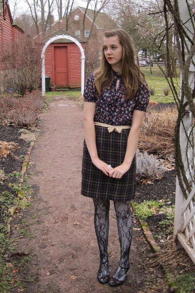 purple f21 shirt - purple thrift skirt - black f21 tights - brown 2nd Hand shoes