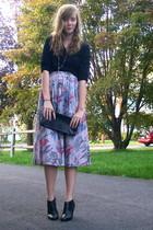 moms shirt - handmedown from mom skirt - vintage purse - H&M boots