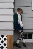shirt - skirt - socks - shoes - scarf