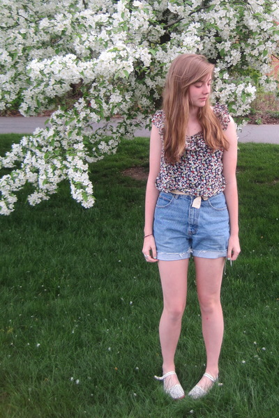 purple f21 shirt - blue thrift shorts - white UO shoes