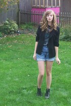2nd Hand blazer - paramore concert shirt - moms old shorts - ebay doc martens bo