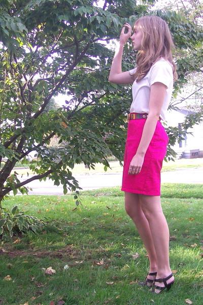 f21 shirt - moms skirt - 2nd Hand belt - moms shoes