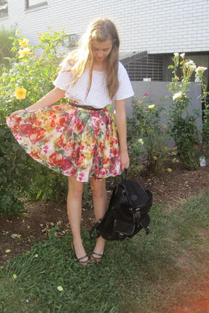 white savers top - red f21 skirt - brown syms shoes - black Tag sale bag