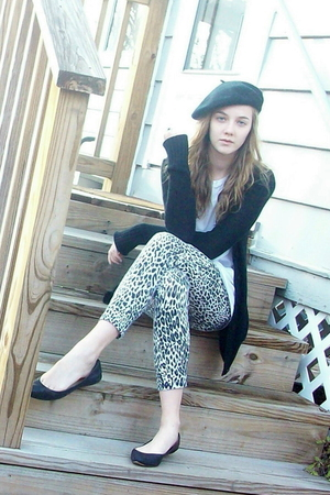 H&M hat - Target sweater - f21 leggings - Nine West shoes - thrift scarf