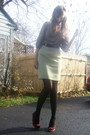 Brown-top-green-skirt-red-shoes