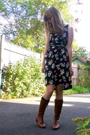 moms dress - f21 boots